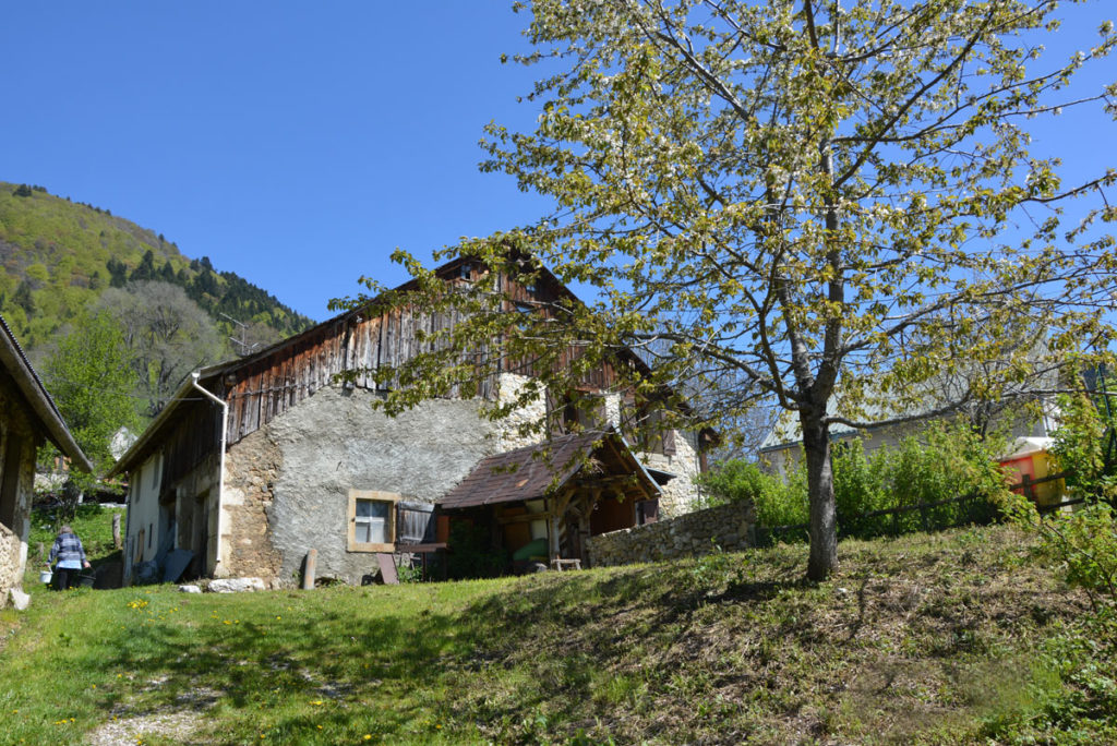 Grange typique, Sarcenas